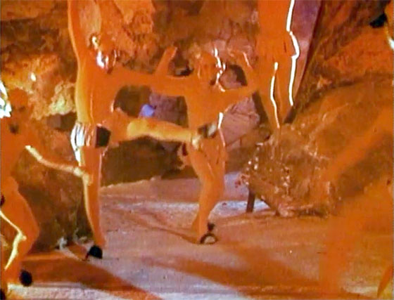 Mexican Santa Claus - Pitch the Devil dancing