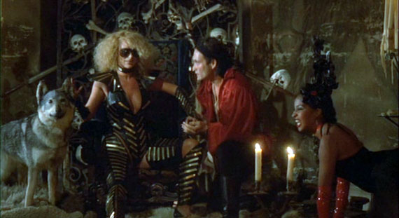Howling 2 - Sybil Danning